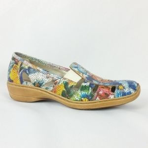 Rieker Size 38/US 7 Floral Cut Out Loafer S12-7